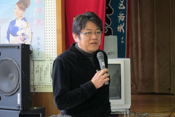 講評を述べる三重大学大学院工学研究科の川口淳准教授